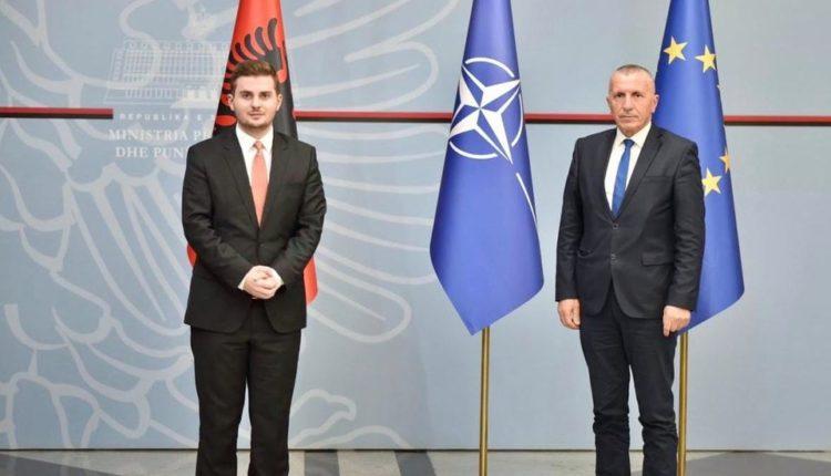 Cakaj takohet me Kamberin – flasin për fshirjen e adresave të shqiptarëve në Luginë