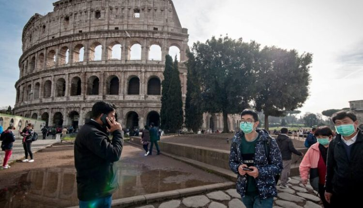 Italia zgjat kufizimet në udhëtim
