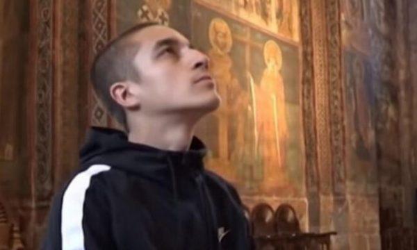"""""""Nga Sulejman bëhet Dushan"""", mediat serbe raportojnë për 24-vjeçarin nga Kosova që u konvertua në ortodoks"""
