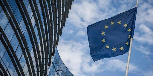 PE-ja kërkon nisjen e negociatave me Maqedoninë e Veriut dhe Shqipërinë