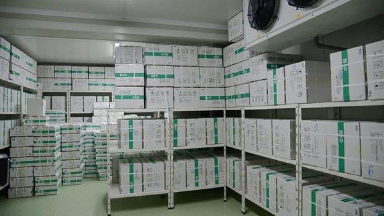 Kina i dhuron 100 mijë vaksina Maqedonisë