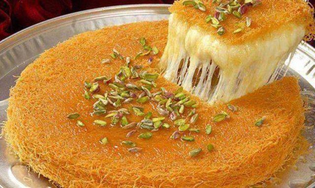 Ëmbëlsirë turke me kadaif dhe krem; E thjeshtë dhe e shijshme