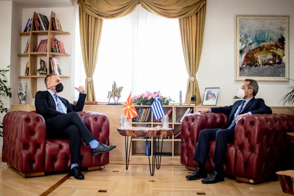 Grubi-Koundouros: Maqedonia e Veriut meriton datë për negociata me BE