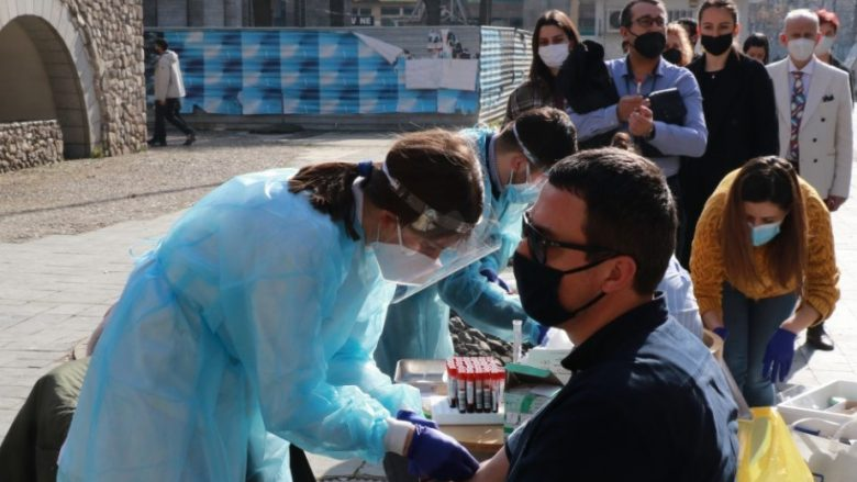 Maqedoni: Dje janë vaksinuar mbi nëntë mijë persona, gjithsej mbi 170 mijë qytetarë e kanë marrë vaksinën