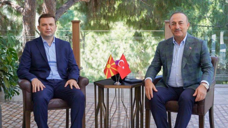 Osmani në takim me Çavushogllun: RMV dhe Turqia janë të lidhura me të njëjtat vlera