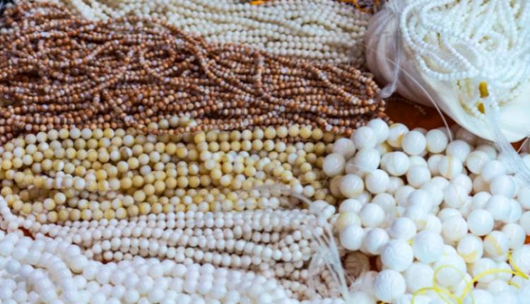 Historia e një sekuestrimi: Mali i Zi shet 28 kilogramë gurë gjysëm të çmuar