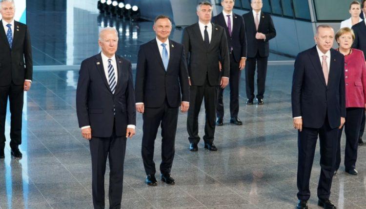 NATO-ja rikonfirmon forcën e aleancës, denoncon Kinën dhe Rusinë