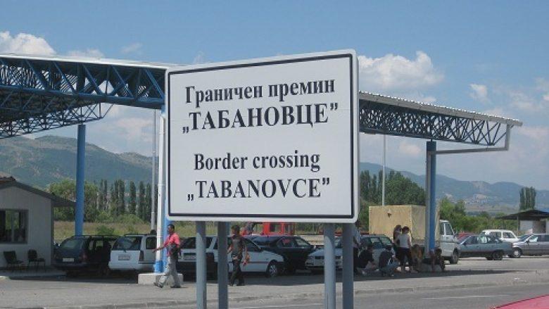 Kolona të gjata në vendkalimet kufitare në Tabanoc dhe Bogorodicë