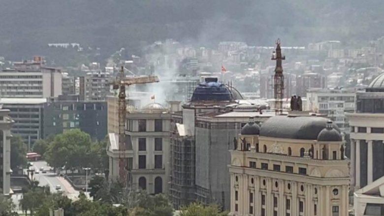 Zjarr në afërsi të MPJ-së në Shkup