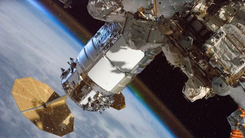 Fluturimi i parë rreth orbitës së Tokës me turistë të hapësirës