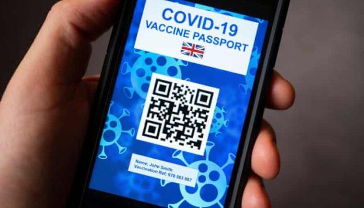 Britania kthen mbrapsht planin për pasaportën e vaksinës