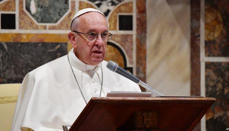 Befason Papa Françesku: Më donin të vdekur, po përgatisnin Konklavën!