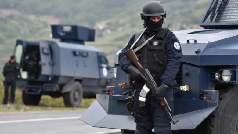 Mediat serbe për zhvillimet e fundit në pikat kufitare Kosovë-Serbi: Helikopterë të KFOR-it fluturuan mbi zonë, sot Vuçiq mbledh Këshillin e Sigurisë Kombëtare