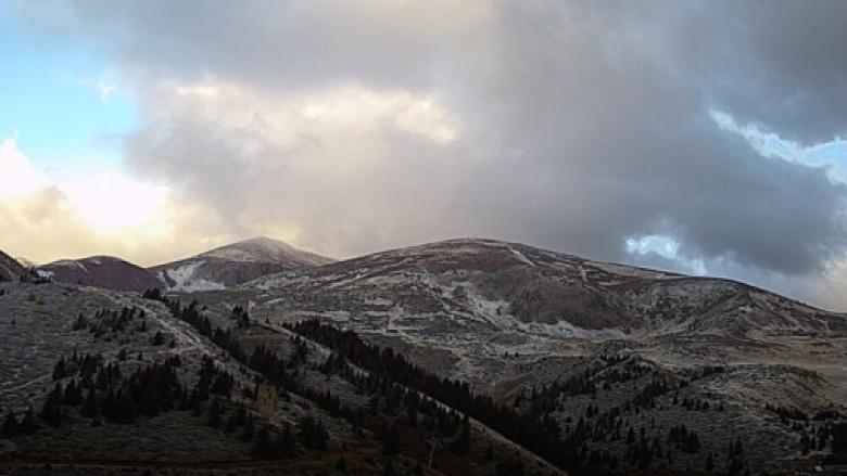 Bie bora e parë në Maqedoninë e Veriut