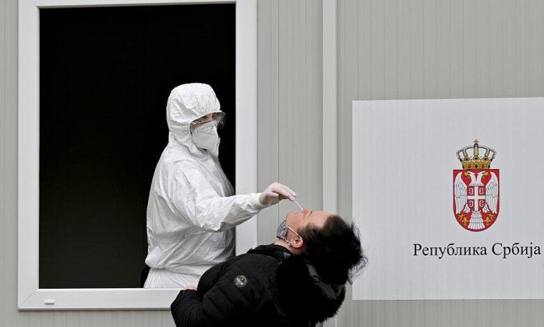 Serbia vatër e koronavirusit, kryeson në botë për nga shkalla e infektimit