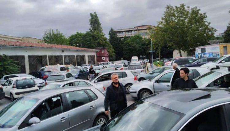 Kaos në Qendrën Klinike të Shkupit