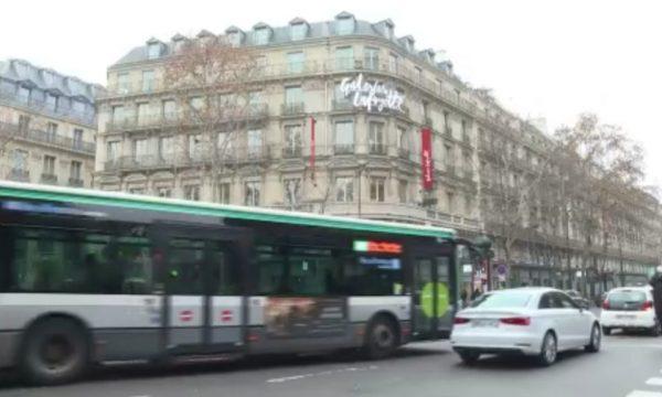 """""""Qyteti 15-minutësh"""", Parisi mund të bëhet kryeqyteti i parë në botë që bllokon makinat"""