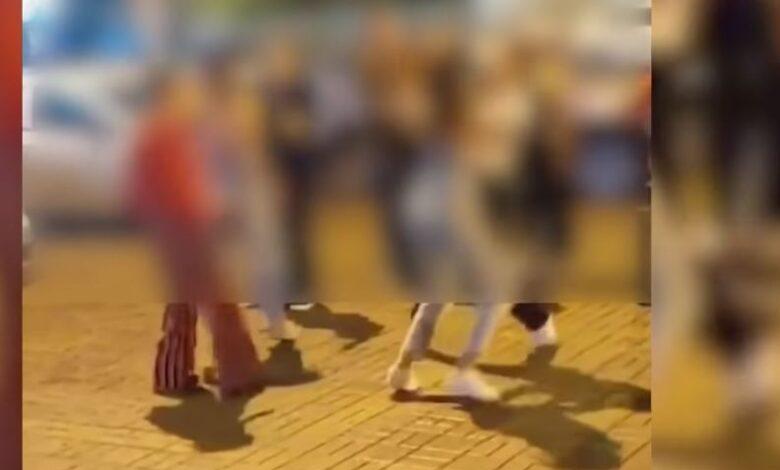 Rrahje masive mes vajzave në Shkup